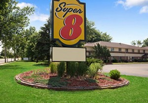 Super 8 Whitewater