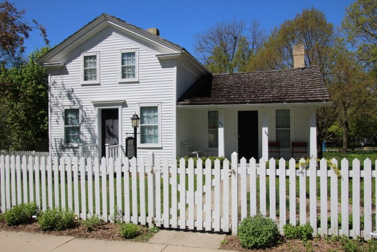 1841 Foster House Tours