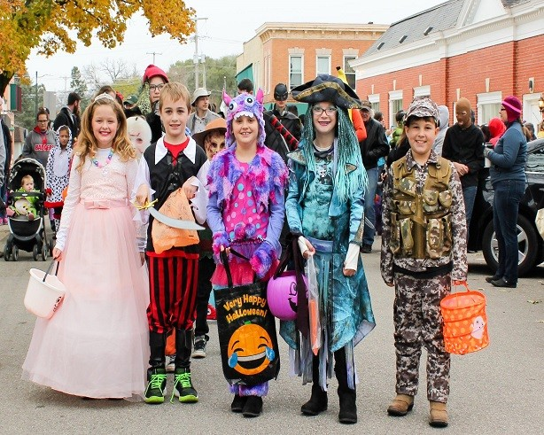 Cambridge Halloween Costume Parade