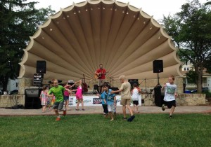 barrie park summer chairty concert kids dancing