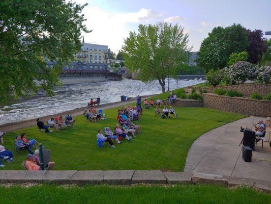 Outdoor live music in Watertown