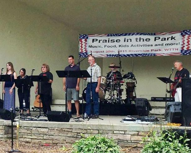 Music and bands perform at Praise in the Park